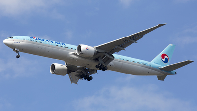A picture of HL7203 - Boeing 7773B5(ER) - Korean Air - © Akbarali Mastan