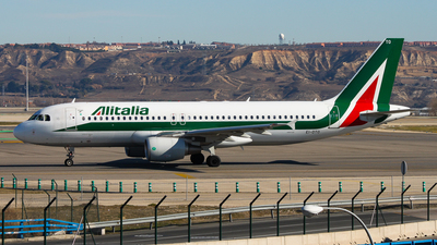EI-DTO - Airbus A320-216 - Alitalia