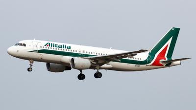 A picture of EIIKF - Airbus A320214 - Italia Trasporto Aereo - © Oliver Richter