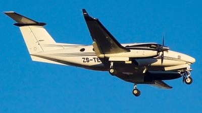 ZS-TEG - Beechcraft 200 Super King Air - Private
