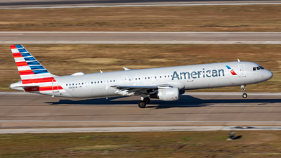 N169UW - Airbus A321-211 - American Airlines