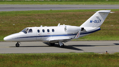M-OLLY - Cessna 525 CitationJet 1 - Private