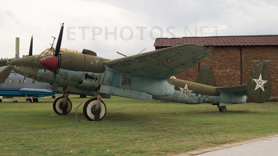 27 - Tupolev Tu-2 Bat - Bulgaria - Air Force