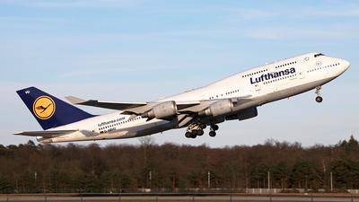 A picture of DABVU - Boeing 747430 - Lufthansa - © Robin Langfelder