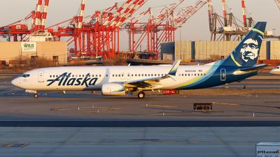 A picture of N263AK - Boeing 737990(ER) - Alaska Airlines - © Oliver Richter