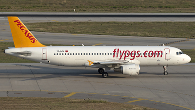 A picture of TCDCJ - Airbus A320214 - Pegasus Airlines - © Arda Ozenc Erdem