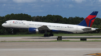 A picture of N674DL - Boeing 757232 - Delta Air Lines - © James Bruno
