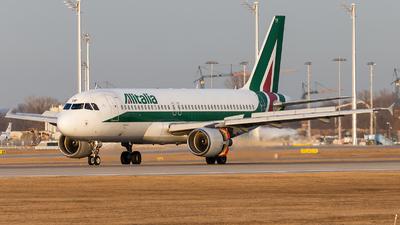 EI-DTF - Airbus A320-216 - Alitalia