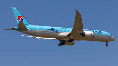 HL8082 - Boeing 787-9 Dreamliner - Korean Air