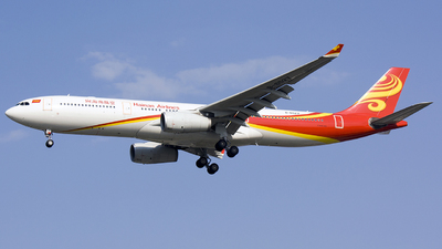A picture of B6527 - Airbus A330343 - Hainan Airlines - © Yu Haoxun