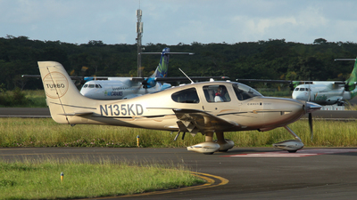 N135KD - Cirrus SR22T-GTS - Private
