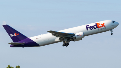 A picture of N150FE - Boeing 7673S2F(ER) - FedEx - © Evan Dougherty