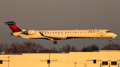 A picture of N602LR - Mitsubishi CRJ900LR - Delta Air Lines - © Kass Betas