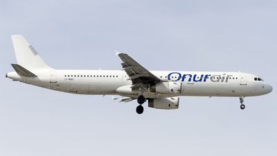 LY-NVU - Airbus A321-231 - Onur Air (Avion Express)
