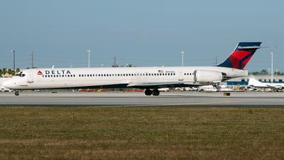 N901DA - McDonnell Douglas MD-90-30 - Delta Air Lines