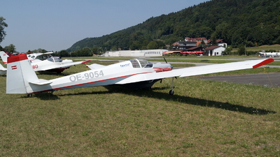 OE-9054 - Scheibe SF.25C Falke - Flugsportverein Stockerau