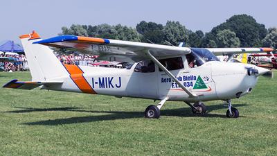 A picture of IMIKJ - Cessna 172R Skyhawk - [17280958] - © Giorgio Varisco