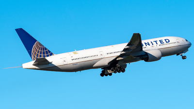 A picture of N786UA - Boeing 777222(ER) - United Airlines - © Hector Rivera-HR Planespotter