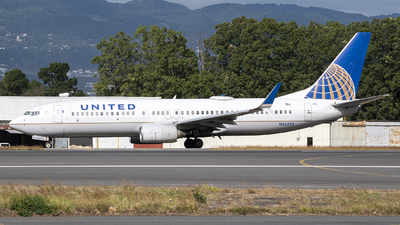 A picture of N26232 - Boeing 737824 - United Airlines - © Juan Manuel Galvez