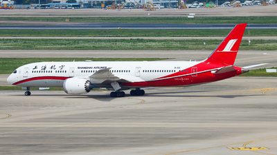 B-1113 - Boeing 787-9 Dreamliner - Shanghai Airlines