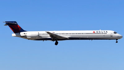 N945DN - McDonnell Douglas MD-90-30 - Delta Air Lines