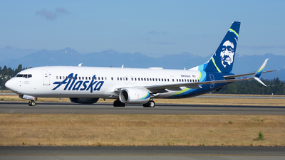 A picture of N435AS - Boeing 737990(ER) - Alaska Airlines - © Michael Rodeback