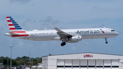 A picture of N932AM - Airbus A321231 - American Airlines - © Mark Lawrence
