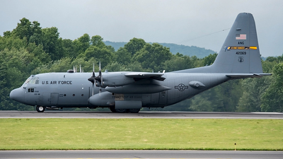 74-2069 - Lockheed C-130H Hercules - United States - US Air Force (USAF)