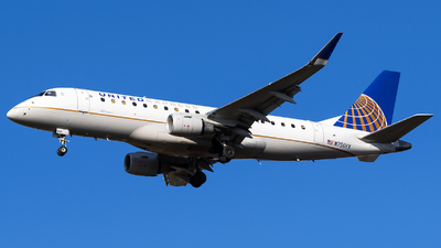 A picture of N750YX - Embraer E175LR - United Airlines - © Evan Dougherty