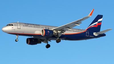 A picture of VPBLH - Airbus A320214 - Aeroflot - © BizavMen