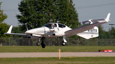 A picture of N197TS - Diamond DA42 Twin Star - [42.AC001] - © Jeremy D. Dando