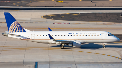 A picture of N151SY - Embraer E175LR - United Airlines - © Alexander Owen