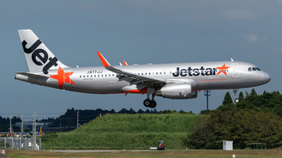 A picture of JA17JJ - Airbus A320232 - Jetstar Airways - © Age