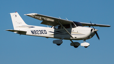 N923ED - Cessna 172S Skyhawk SP - Private