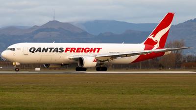 VH-EFR - Boeing 767-381F(ER) - Qantas Freight (Express Freighters Australia)