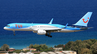 A picture of GOOBA - Boeing 75728A - TUI fly - © Helmut Schnichels