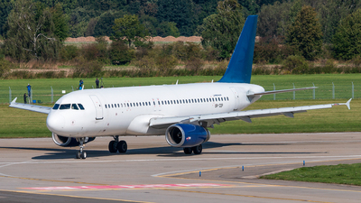 UR-CQP - Airbus A320-232 - Dart