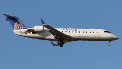 A picture of N970SW - Mitsubishi CRJ200LR - United Airlines - © Ethan Peters
