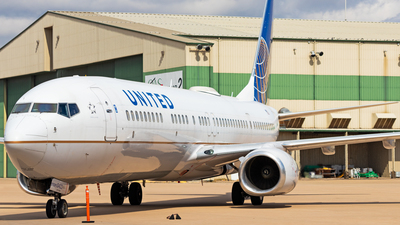 A picture of N37422 - Boeing 737924(ER) - United Airlines - © Andrew Jeng