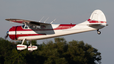 N195PD - Cessna 195 - Private