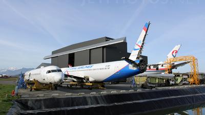 LFBT - Airport - Ramp