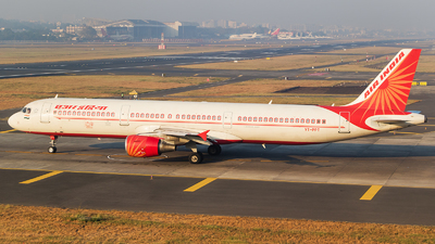 A picture of VTPPT - Airbus A321211 - Air India - © Akshay M