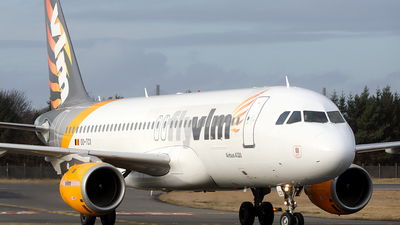 OO-TCX - Airbus A320-212 - VLM Airlines
