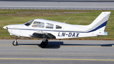 LN-DAX - Piper PA-28-151 Cherokee Warrior - Private