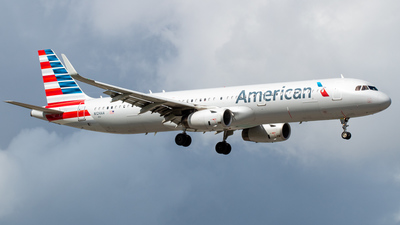 A picture of N124AA - Airbus A321231 - American Airlines - © DreamRiser