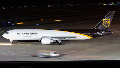 A picture of N392UP - Boeing 767304(ER)(BDSF) - UPS - © Markus Altmann