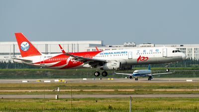 A picture of B1663 - Airbus A321231 - Sichuan Airlines - © miCHAel TAN