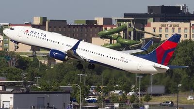 A picture of N914DU - Boeing 737932(ER) - Delta Air Lines - © Jeremy D. Dando