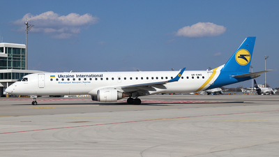 A picture of UREMG - Embraer E195AR - Ukraine Int. Airlines - © Philipp Schuetz