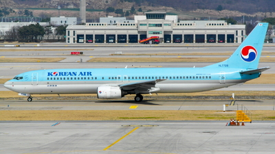 HL7728 - Boeing 737-9B5 - Korean Air